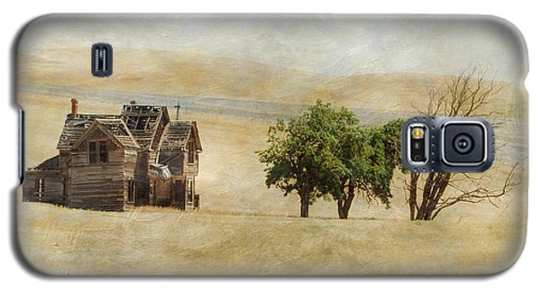 Galaxy S5 Case featuring the photograph Nelson Homestead by Angie Vogel