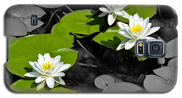 Galaxy S5 Case featuring the photograph Nenuphar by Gina Dsgn