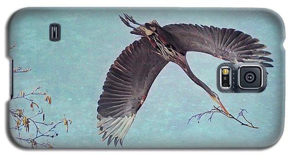 Nesting Heron In Flight Galaxy S5 Case