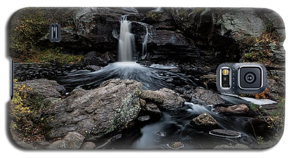 New England Waterfall In Autumn Galaxy S5 Case