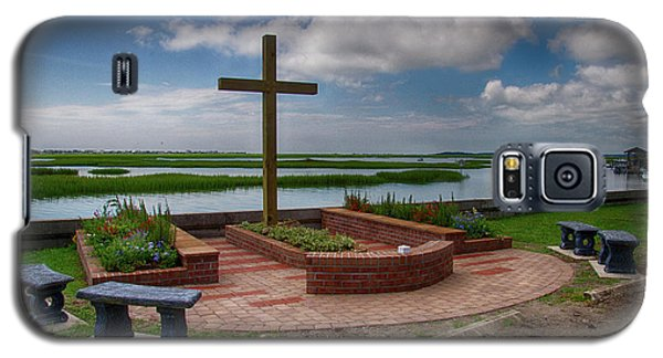Galaxy S5 Case featuring the photograph New Garden Cross At Belin Umc by Bill Barber