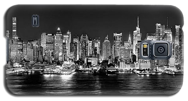 New York City Nyc Skyline Midtown Manhattan At Night Black And White Galaxy S5 Case