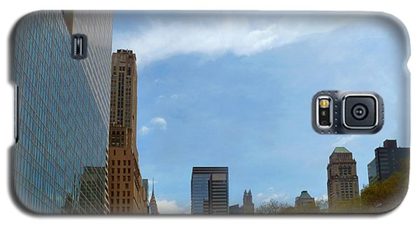 Galaxy S5 Case featuring the photograph New York by Helen Haw