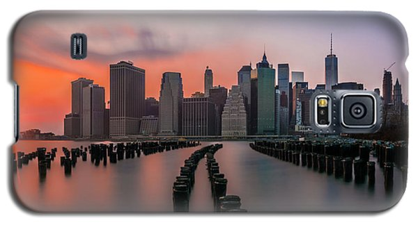 Galaxy S5 Case featuring the photograph New York Sunset by RC Pics