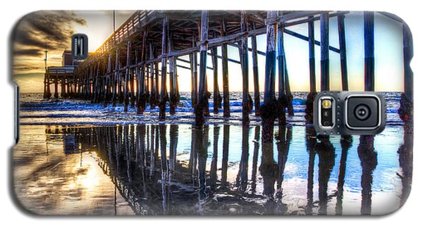 Galaxy S5 Case featuring the photograph Newport Beach Pier - Reflections by Jim Carrell