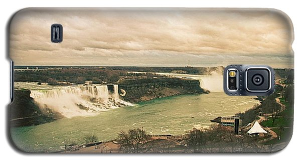 Galaxy S5 Case featuring the photograph Niagara Falls by Mary Machare