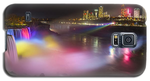 Galaxy S5 Case featuring the photograph Niagara Rainbow by Mark Papke