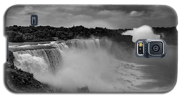 Galaxy S5 Case featuring the photograph Niagra Falls by Jason Moynihan