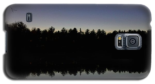 Night Reflects On The Pond Galaxy S5 Case