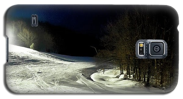 Galaxy S5 Case featuring the photograph Night Skiing At Mccauley Mountain by David Patterson