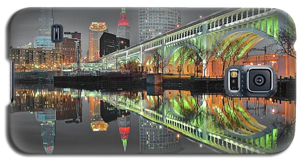 Galaxy S5 Case featuring the photograph Night Time Glow by Frozen in Time Fine Art Photography