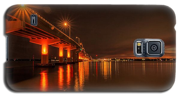 Night Time Reflections At The Bridge Galaxy S5 Case