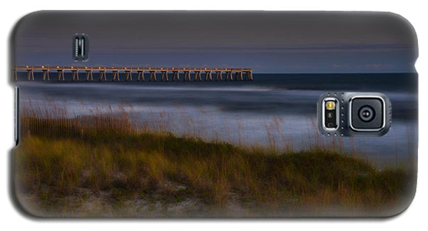 Galaxy S5 Case featuring the photograph Nightlife By The Sea by Renee Hardison