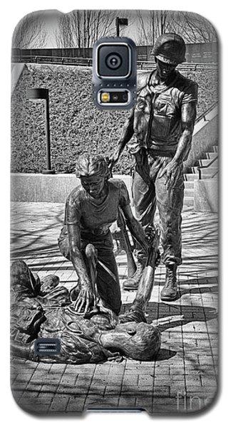 Galaxy S5 Case featuring the photograph Nj Vietnam Veterans Memorial by Paul Ward