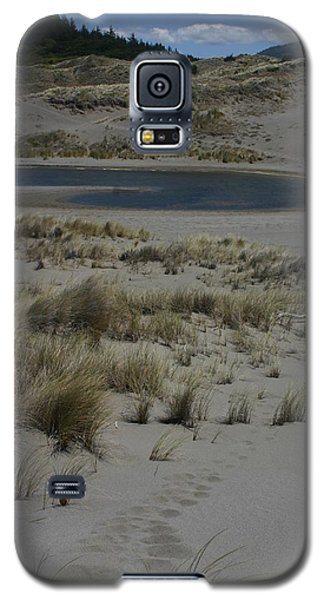 Galaxy S5 Case featuring the photograph No One Is Around by Marie Neder