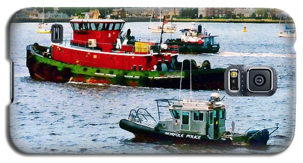 Norfolk Va - Police Boat And Two Tugboats Galaxy S5 Case by Susan Savad