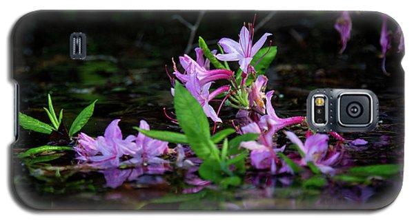 Norris Lake Floral Galaxy S5 Case by Douglas Stucky