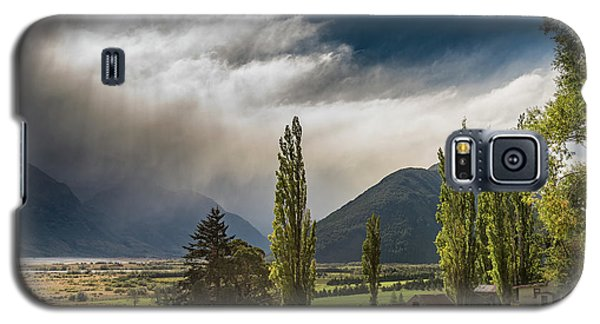Galaxy S5 Case featuring the photograph North Of Glenorchy by Gary Eason