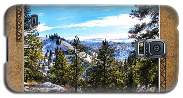 Galaxy S5 Case featuring the photograph North View by Susan Kinney