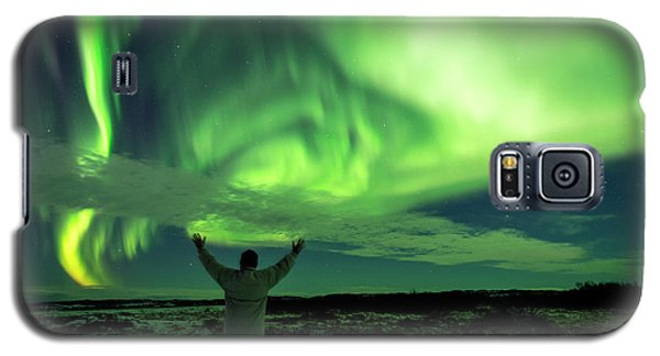 Galaxy S5 Case featuring the photograph Northern Light In Western Iceland by Dubi Roman