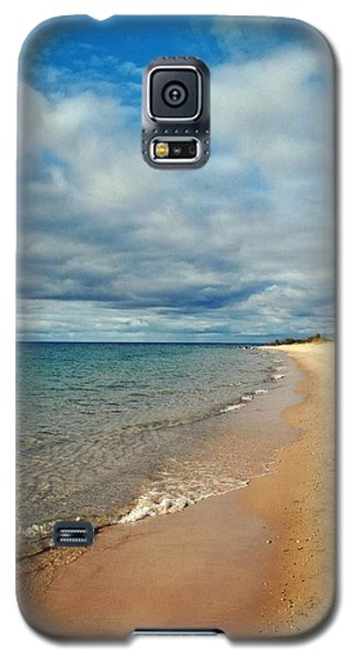 Galaxy S5 Case featuring the photograph Northern Shore by Michelle Calkins