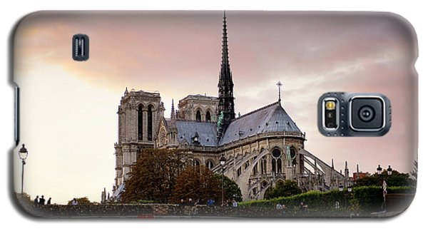Galaxy S5 Case featuring the photograph Notre Dame Cathedral Sunset by Ivy Ho
