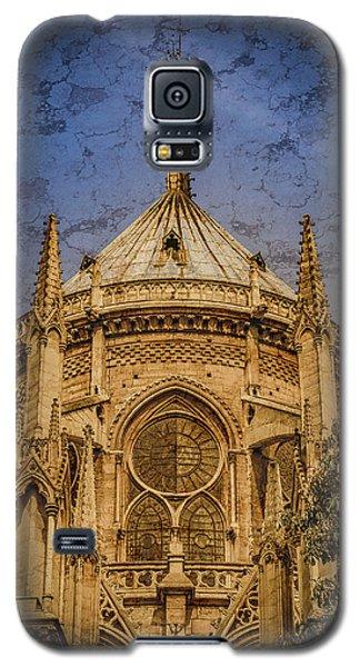 Galaxy S5 Case featuring the photograph Paris, France - Notre-dame De Paris - Apse by Mark Forte