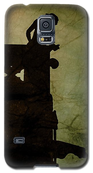 Paris, France - Gargoyle Watch Galaxy S5 Case