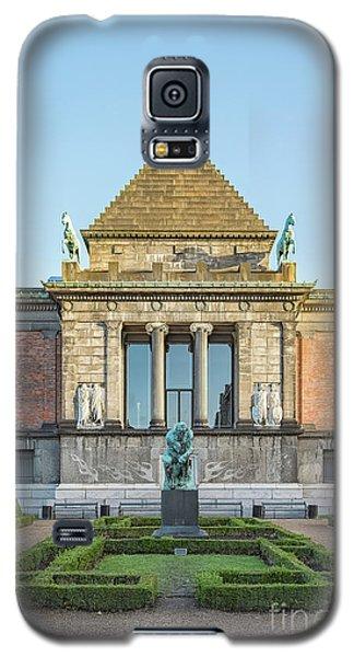 Galaxy S5 Case featuring the photograph Ny Carlsberg Glyptotek In Copenhagen by Antony McAulay