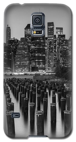 Galaxy S5 Case featuring the photograph Nyc Skyline Bw by Laura Fasulo
