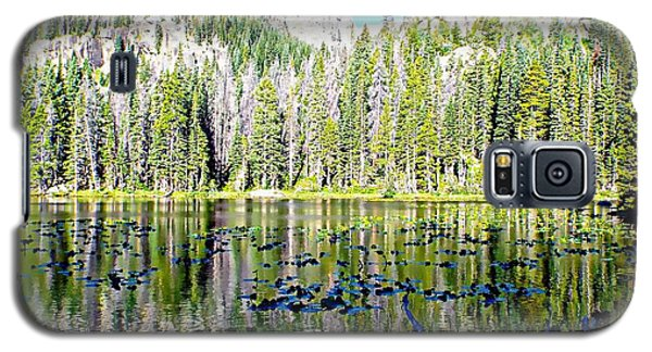 Galaxy S5 Case featuring the photograph Nymph Lake And Flattop Mountain by Joseph Hendrix