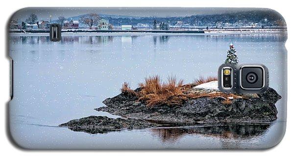 Galaxy S5 Case featuring the photograph O Tannenbaum by Robin-Lee Vieira