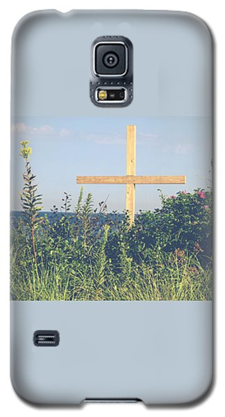 Galaxy S5 Case featuring the photograph Ocean Grove Cross by Eleanor Abramson
