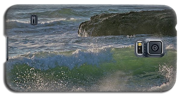 Galaxy S5 Case featuring the photograph Crashing Waves by Elvira Butler