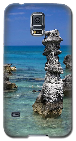Ocean Rock Formations Galaxy S5 Case by Sally Weigand