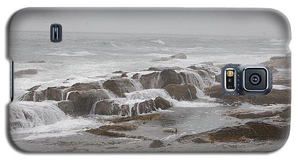 Ocean Waves Over Rocks Galaxy S5 Case