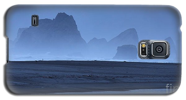 Galaxy S5 Case featuring the photograph Oceanside Hoodoos Along The Oregon Coast by Max Allen
