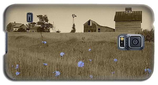 Galaxy S5 Case featuring the photograph Odell Farm V by Dylan Punke