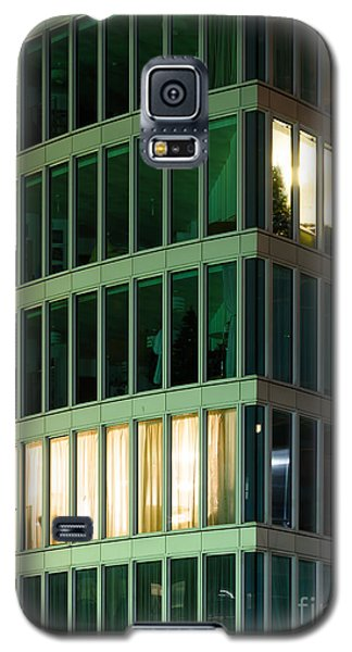 Office Building At Night Galaxy S5 Case