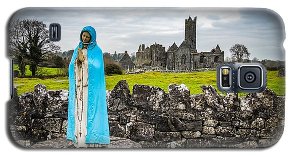 Official Greeter At Ireland's Quin Abbey National Monument Galaxy S5 Case
