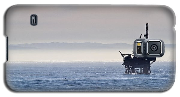 Offshore Oil Drilling Rig Galaxy S5 Case by Roger Mullenhour