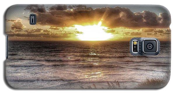 Oh But The Sea  Galaxy S5 Case by Regina Avila
