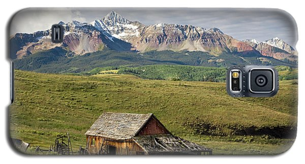 Old Barn And Wilson Peak Horizontal Galaxy S5 Case