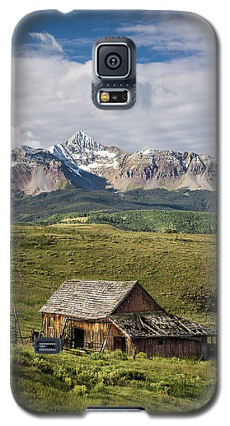 Old Barn And Wilson Peak Vertical Galaxy S5 Case