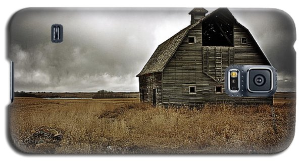 Old Barn Galaxy S5 Case by Linda Bianic