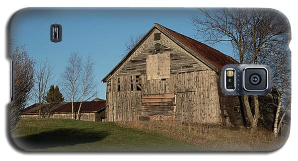 Old Barn On A Hill Galaxy S5 Case