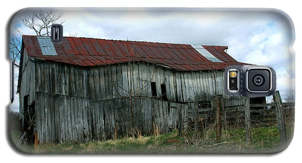 Old Barn Xiii Galaxy S5 Case by Emanuel Tanjala