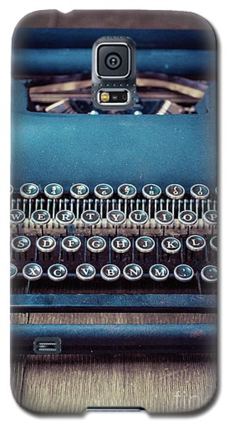 Galaxy S5 Case featuring the photograph Old Blue Typewriter by Edward Fielding