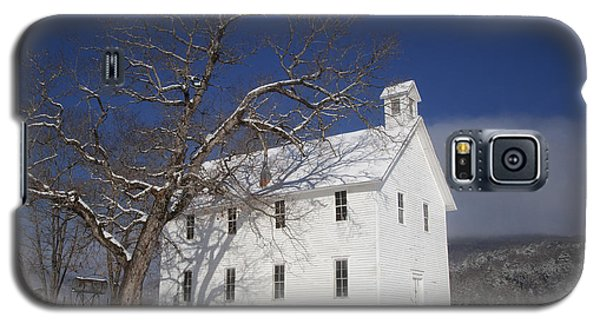 Old Boxley Community Building And Church In Winter Galaxy S5 Case