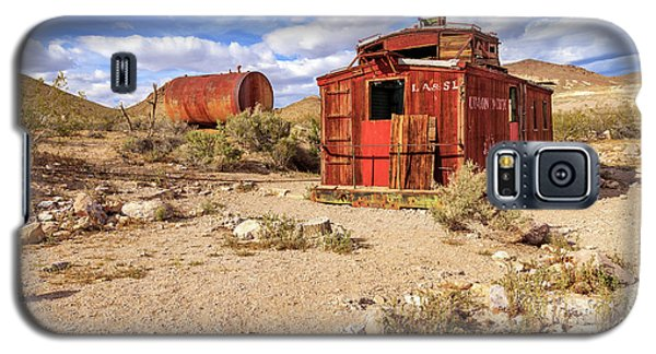 Galaxy S5 Case featuring the photograph Old Caboose At Rhyolite by James Eddy